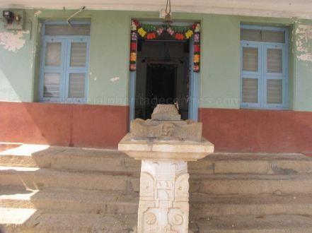 sri_shantinath_swamy_digambar_jain_temple_bidugalu_20130218_1287537652
