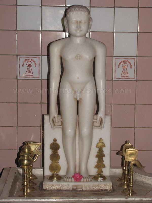 sri_shantinath_swamy_digambar_jain_temple_bidugalu_20130218_1544125332