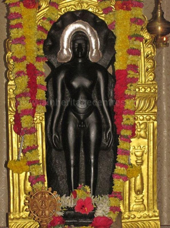 sri_suparshwanath_swami_digambar_jain_temple_midigeshi_karnataka_india_20130218_1093758292
