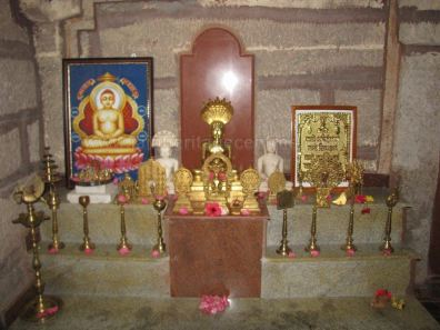 sri_suparshwanath_swami_digambar_jain_temple_midigeshi_karnataka_india_20130218_1174176810