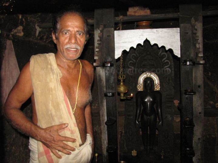 sri_vardhaman_swamy_digambar_jain_temple_bolagramasri_v_20120805_1097698758