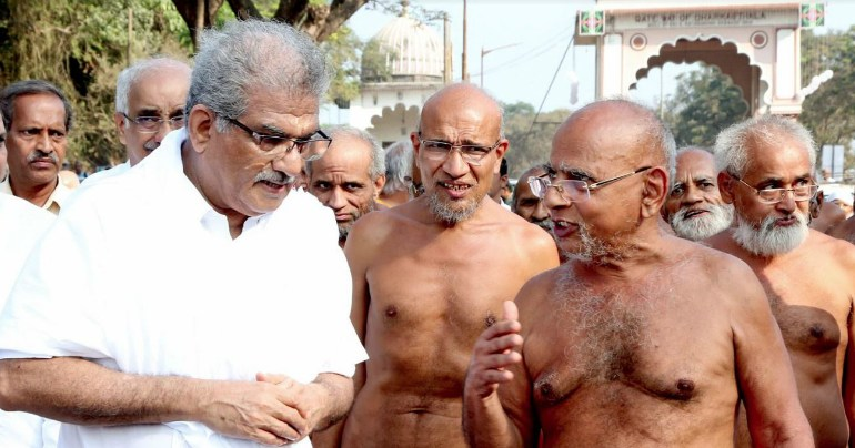 Jain Acharya Sri Vardhamansagarji Maharaj arrived at Dharmasthala for the Bahubali-Mahamastakabhisheka 2019.