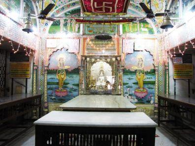 shri_parshwanath_digambar_jain_temple_-_vahalna_20120419_1000070935
