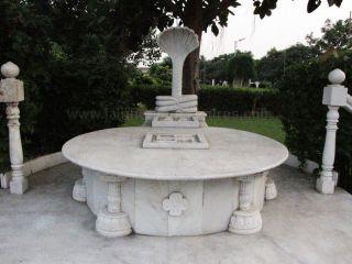 shri_parshwanath_digambar_jain_temple_-_vahalna_20120419_1576432702