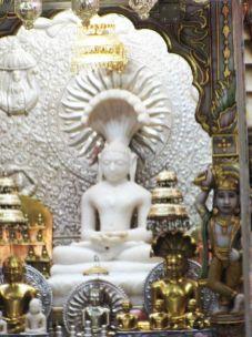 shri_parshwanath_digambar_jain_temple_-_vahalna_20120419_1623905511