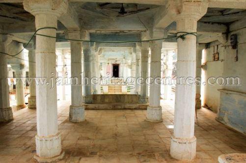 sri_adinath_swamy_digambar_jain_temple_at_jawas_20160813_1457254723