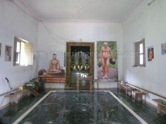 sri_shanthinath_swamy_digambar_jain_temple_-_halasasi_20160515_1017113413