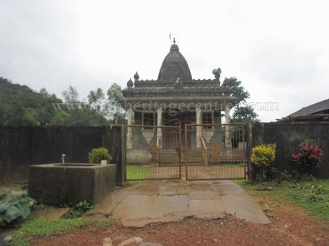 sri_shanthinath_swamy_digambar_jain_temple_-_halasasi_20160515_1248381406