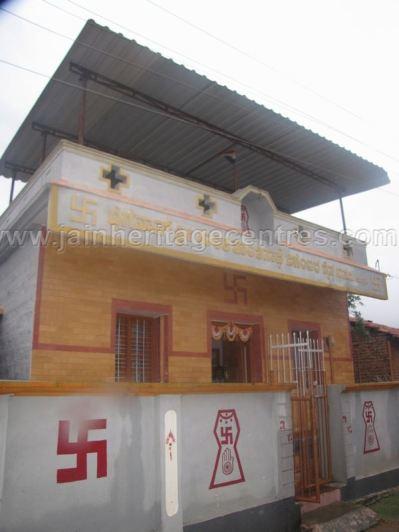 sri_shanthinath_swamy_digambar_jain_temple_duggavara_20140109_1598754111