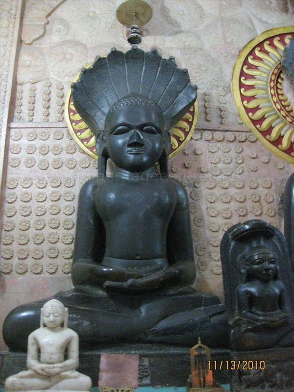 Idol of Tirthankar Parshwanath in padmasana posture.