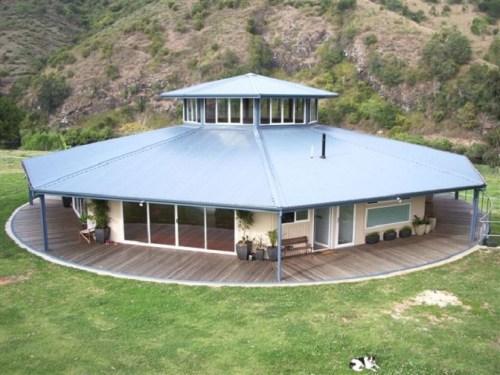 Revolving House in Australia