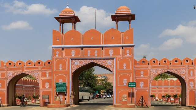 dhruv pol walled city of jaipur