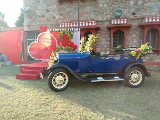 vintage car in jaipur