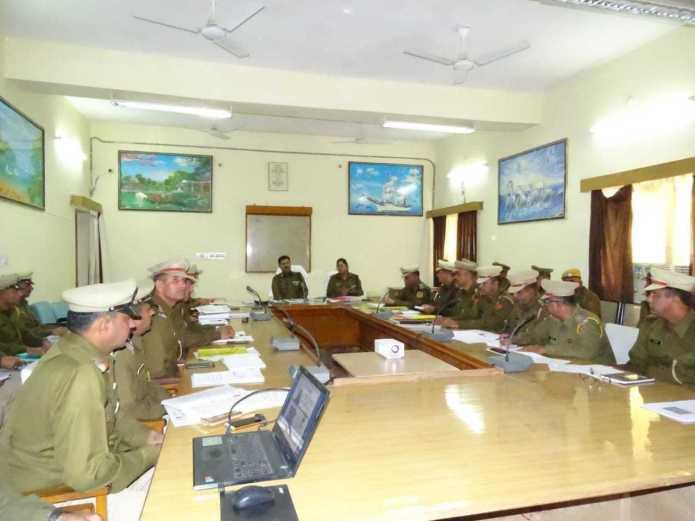 पुलिस आईजी रेंज जोधपुर हवासिंह घुमरिया ने जैसलमेर में लिया कानून व्यवस्था का जायजा 4