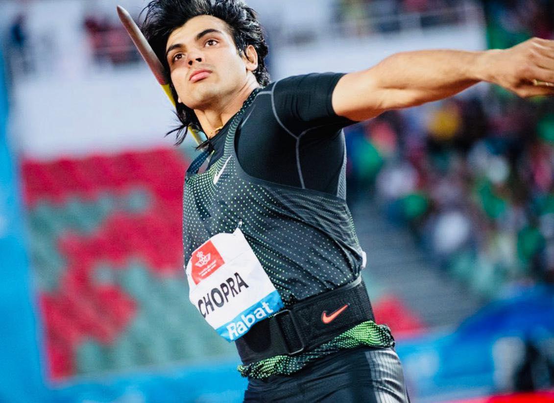neeraj chopra throwing javelin