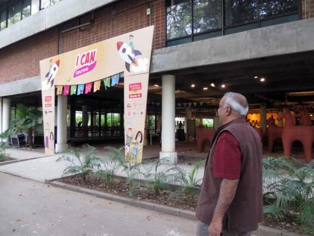 Korjan先生にIndian Institute of Design を案内してもらった