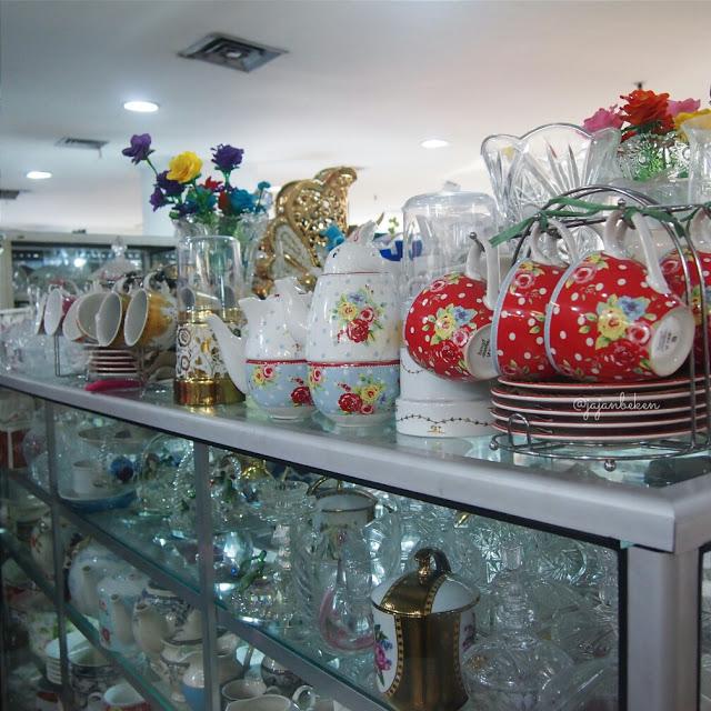 keramik-gelas-pasar-mayestik