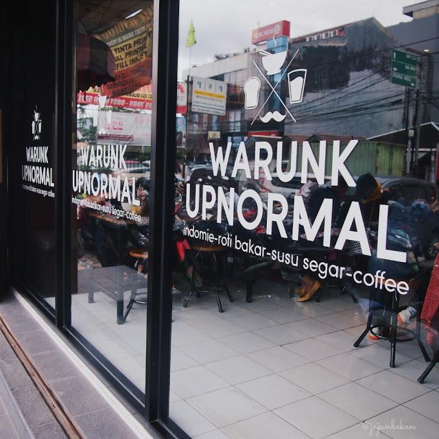 warunk-upnormal-kelapa-gading
