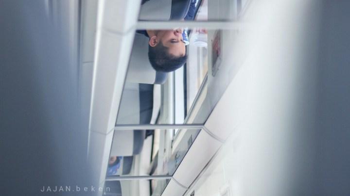 Jajanbeken kereta bandara