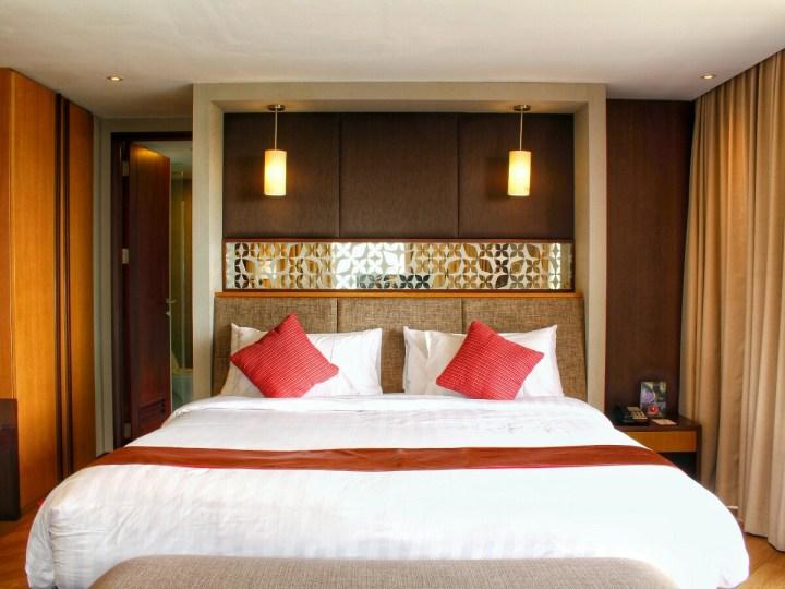 jajanbeken best hotel near sicc