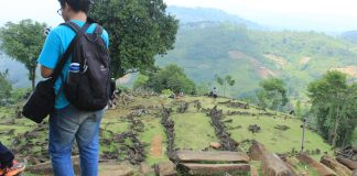 Situs megalitik gunung padang - Jakartatraveller