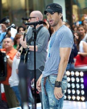 Enrique Iglesias performs on AGT