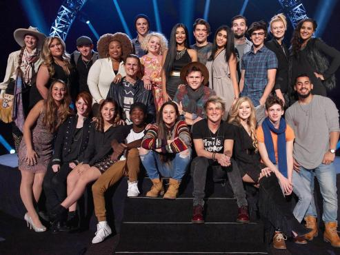 "The final ""American Idol"" Top 24 pose together before they got to meet their ""Idol"" mentors. (Photo property of FOX, FremantleMedia & 19 Entertainment)"