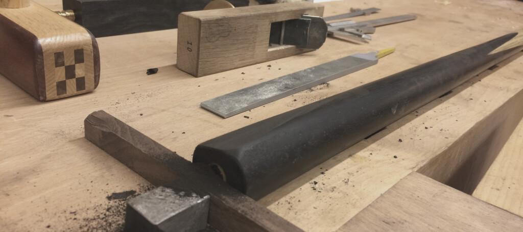 Making-a-handmade-snooker-cue-Japanes-hand-plane