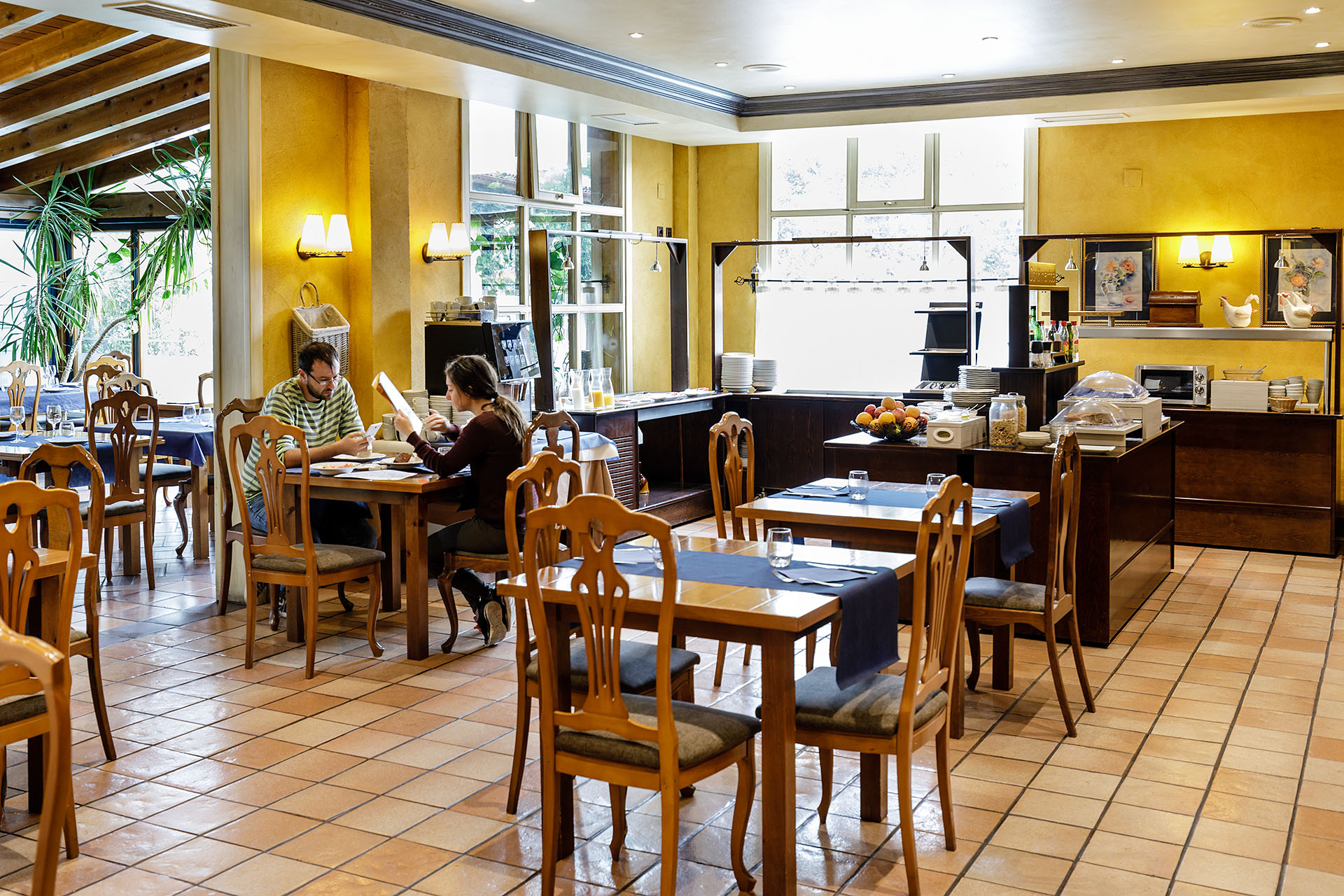 Restaurante En El Hotel Jakue Irunbidea S N Puente