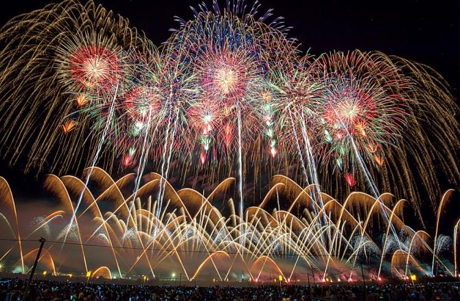 The Naniwa Yodogawa Fireworks Festival