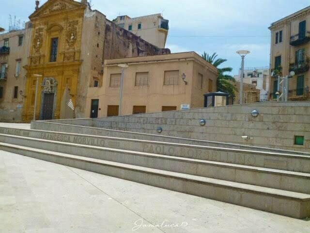 Piazza della memoria Palermo