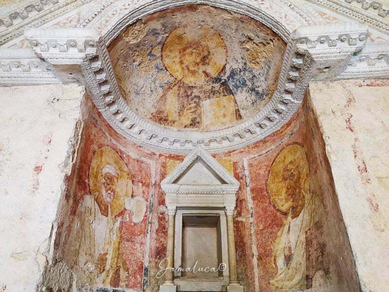 Tempietto del Clitunno affreschi