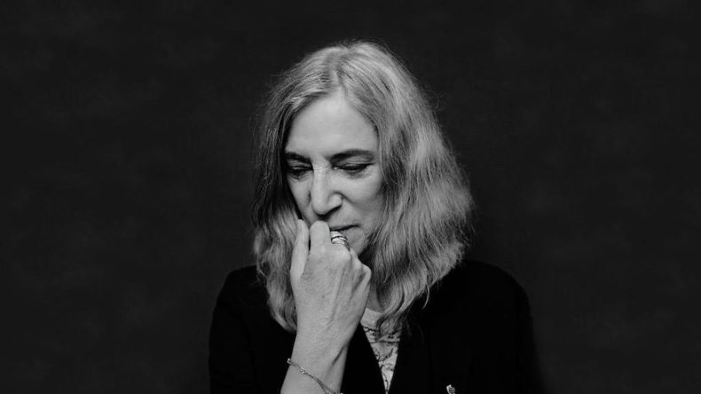 https://i2.wp.com/www.jambase.com/wp-content/uploads/2017/04/patti-smith-patti-smith-c6a26abd-7c46-4276-b5bb-6aa6076a5d03_37551_TABLET_LANDSCAPE_16_9-1480x832.jpg?resize=790%2C444&ssl=1