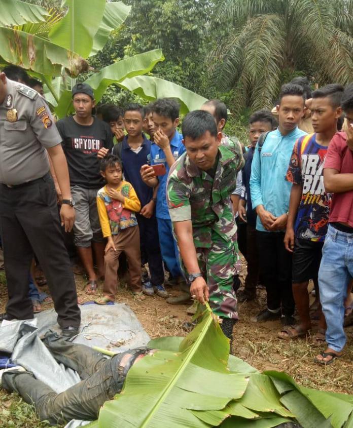 Mayat yang ditemukan di desa suban, tanjabbar. Foto: Tra/Jambiseru.com