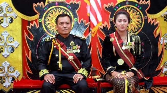 Warga Kabupaten Purworejo, Jawa Tengah, digegerkan oleh kemunculkan orang yang mengaku sebagai pemimpin Kerajaan Agung Sejagat alias KAS. [Facebook]
