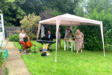 Wedding Musicians – Kissing Day