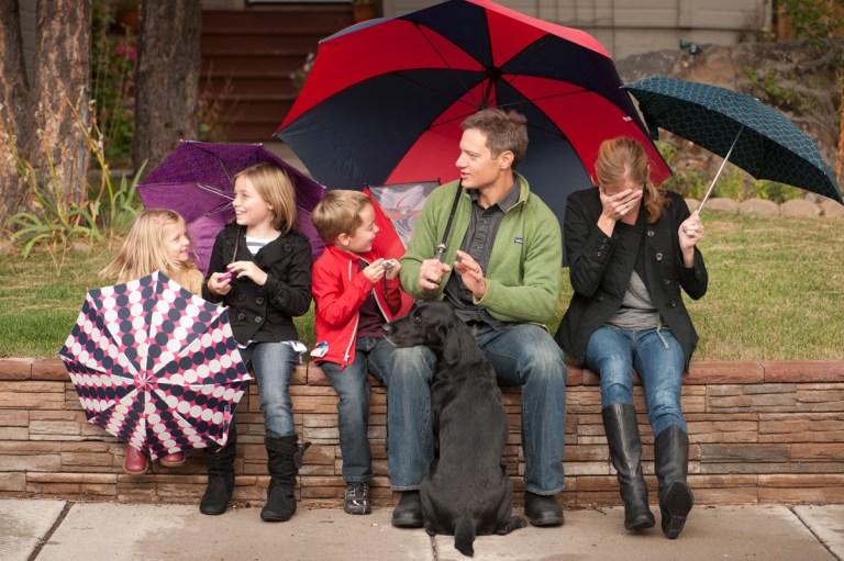 Flagstaff family photographer rain and umbrellas