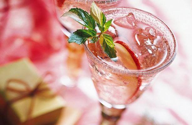Holiday Cocktails: Noel Spritzer