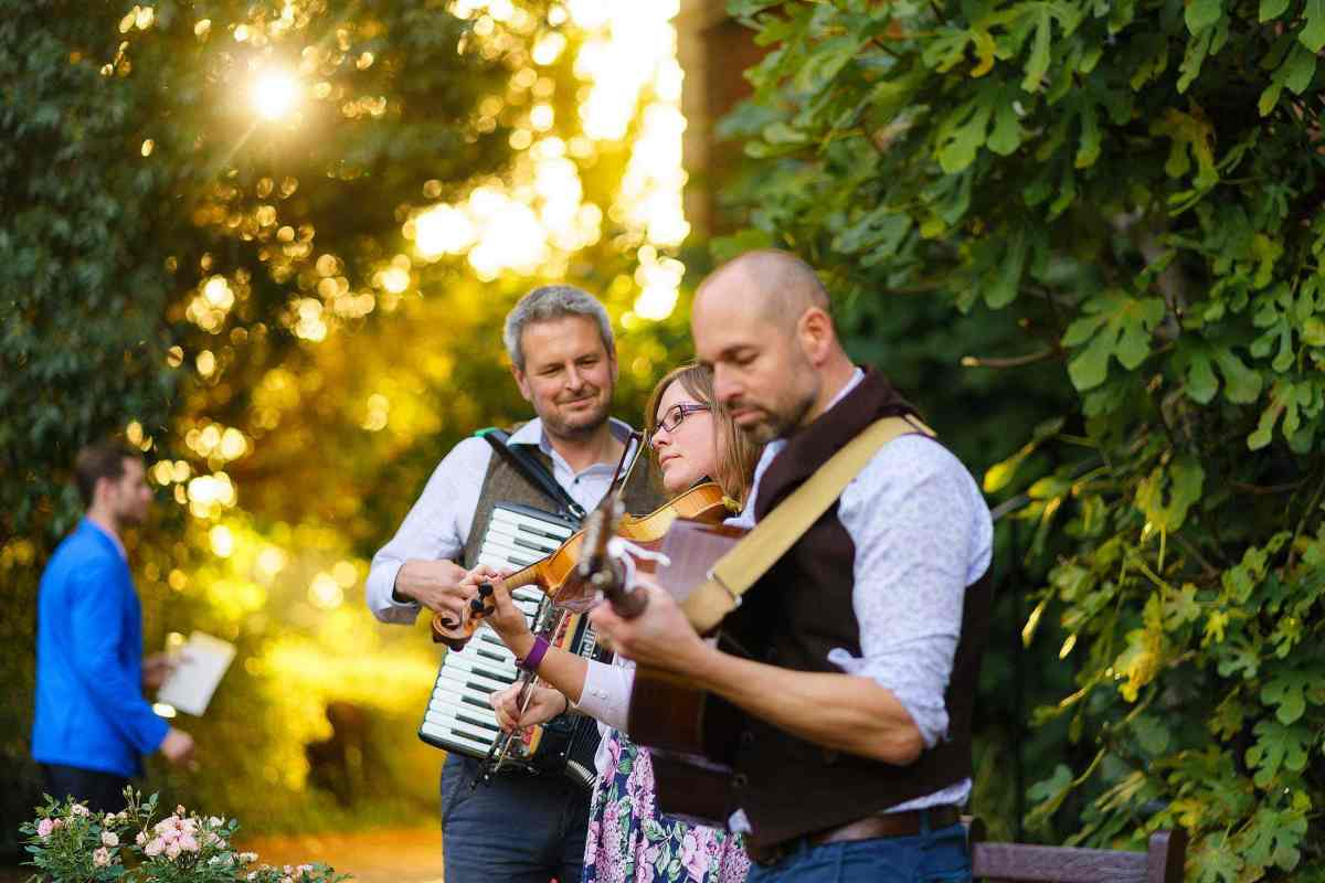 Stumpy Oak wedding ceilidh band