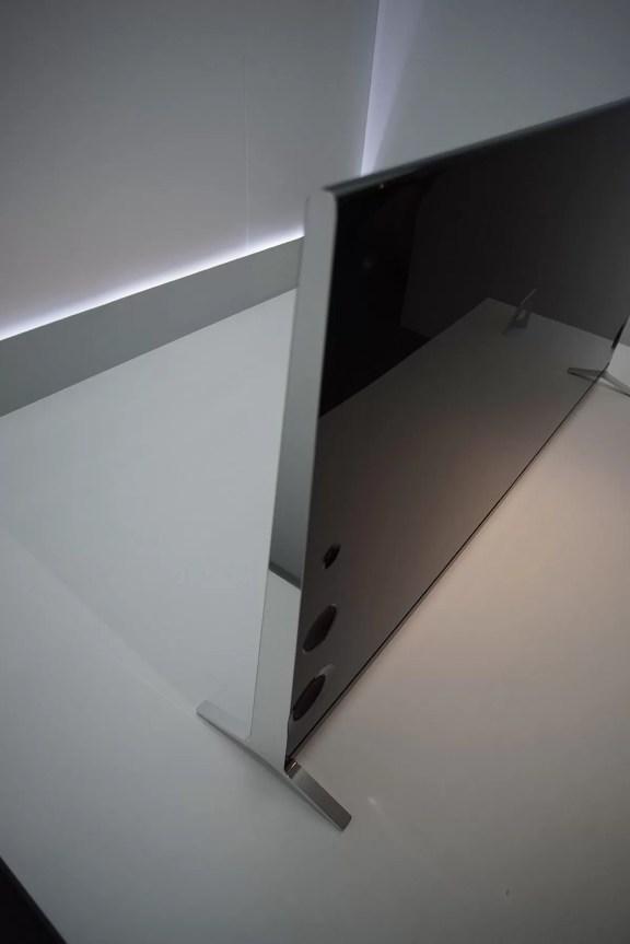 Sony X9 Wedge