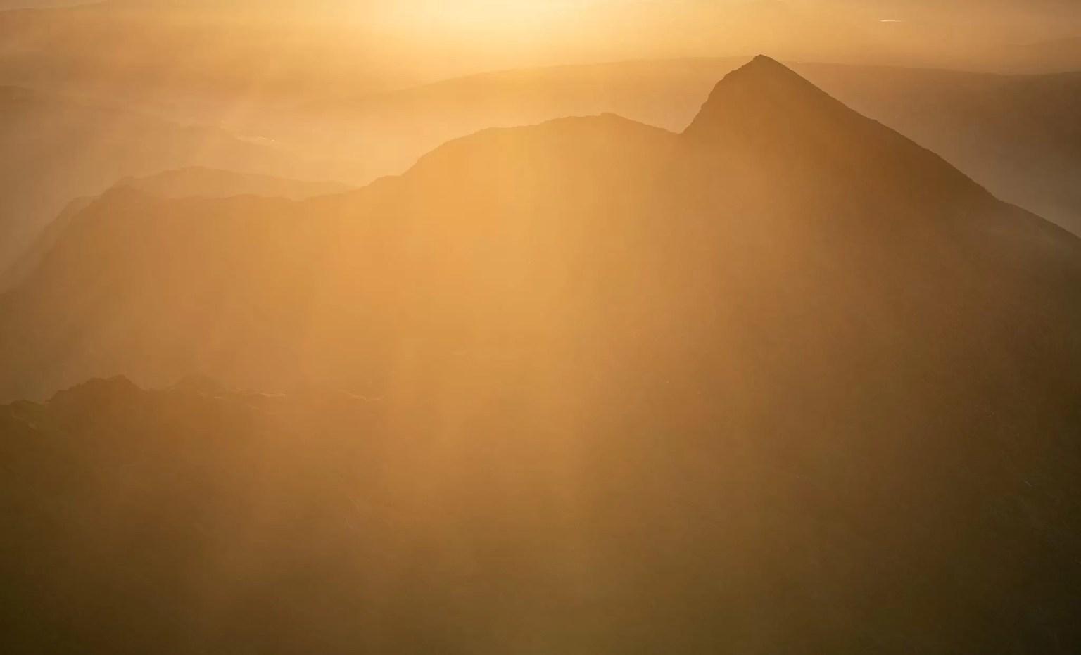 Y Liwedd Sunrise - Snowdonia Landscape Photography
