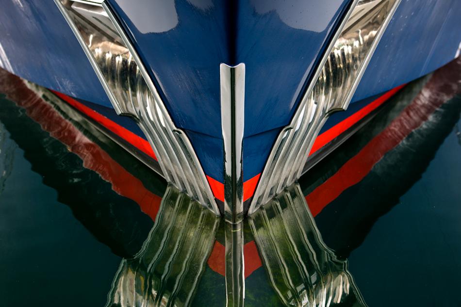 _JMP3398_Yacht-Bow-On