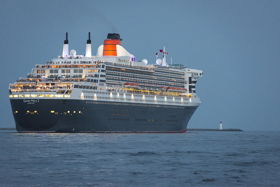 Queen Mary 2 Leaving Halifax-7070