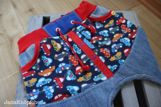 Cool Hose für Jungs nach dem Schnitt Täschling von Allerleikind. JanaKnöpfchen Nähblog - Nähen für jungs