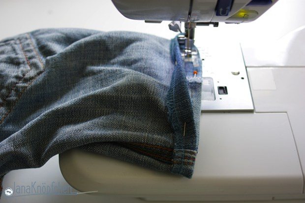 Tutorial aus langer Jeans eine kurze Jeans nähen. Nähmaschine. JanaKnöpfchen - Nähen für Jungs. Nähblog