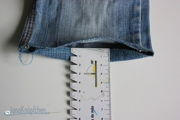 Tutorial aus langer Jeanshose kurze Jeans nähen. JanaKnöpfchen - Nähen für Jungs. Nähblog