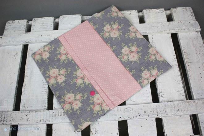 Offene Windeltasche Rosen ein schönes Geschenk zur Geburt. Windeln und Feuchttücher immer dabei, klein in der Handtasche. JanaKnöpfchen
