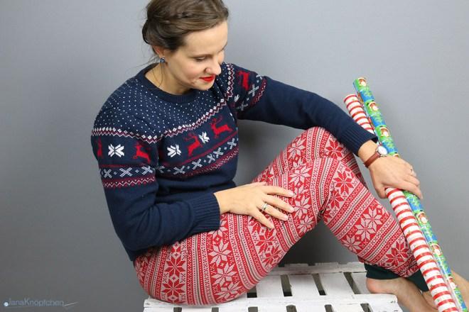 Selbstgenähte Weihnachtshose für Frauen und gemütliche Festtage. JanaKnöpfchen - Nähen für Jungs