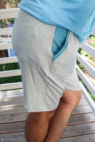 Detail der Taschen an der selbstgenähten Joggingshorts für Männer. JanaKnöpfchen - Nähen für Jungs