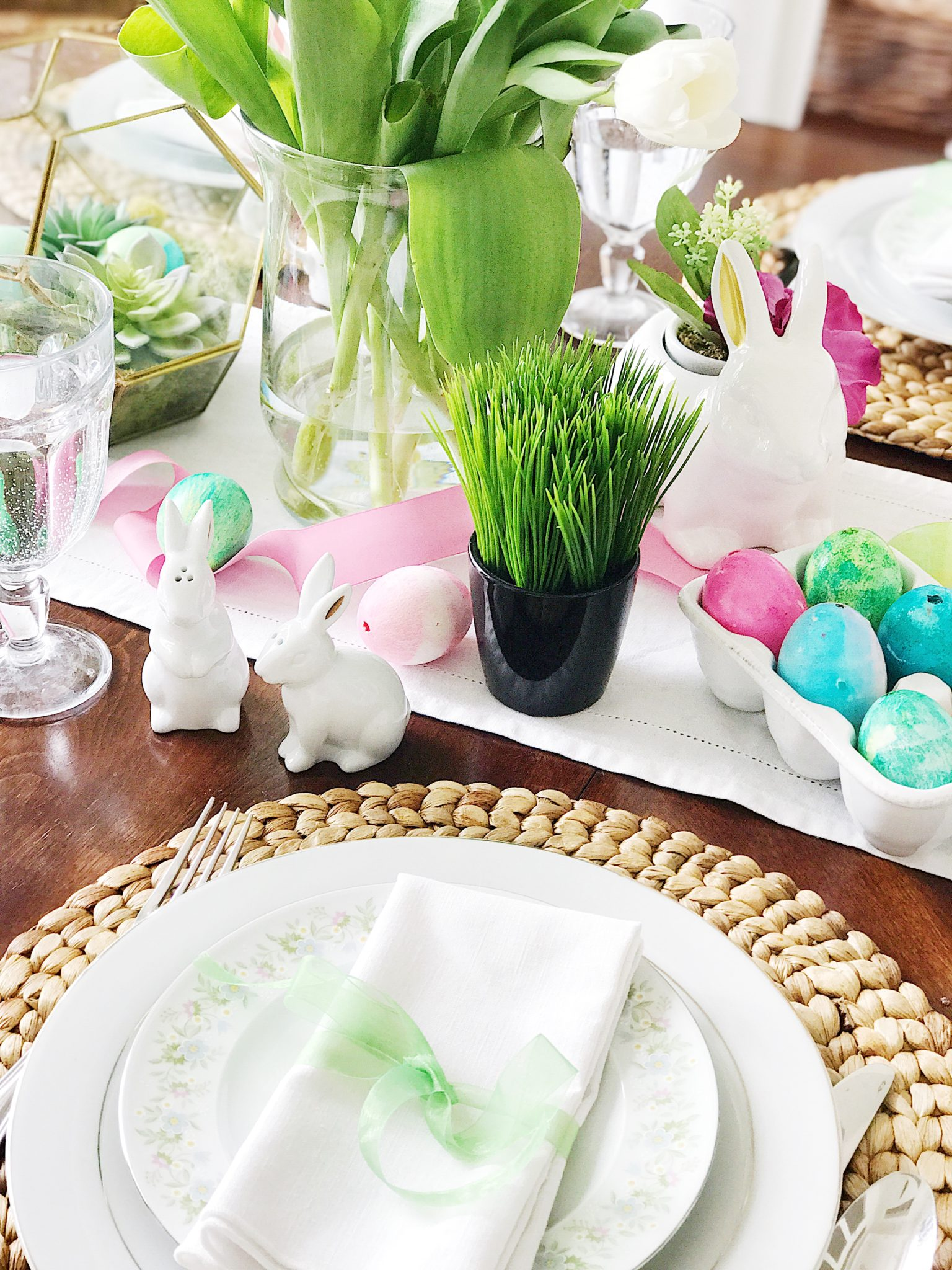 Simple Fresh and Pretty Easter and Springtime Table Setting Ideas : easter table setting ideas - pezcame.com